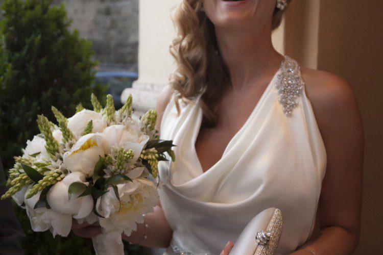Happy Blond Bride & bouquet in Rome