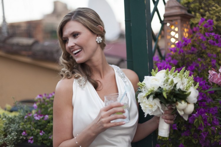 Bride and bouquet in Rome