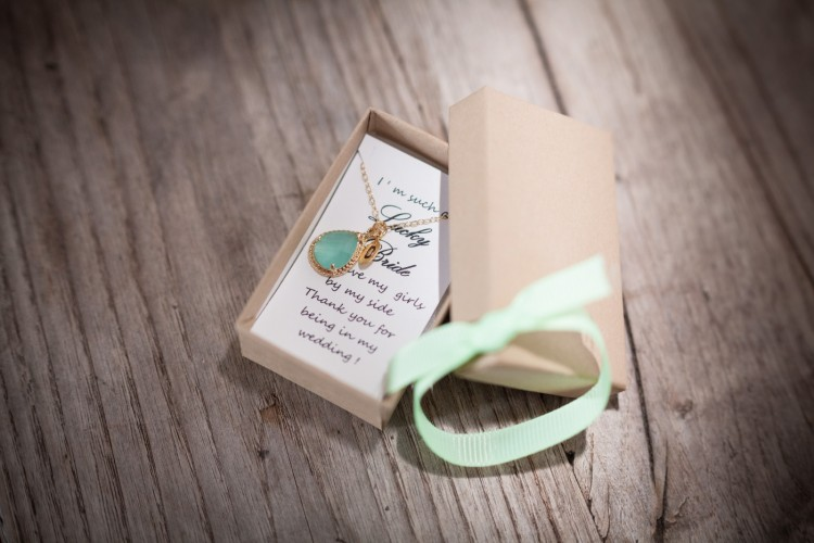 Wedding box with a gold neckle
