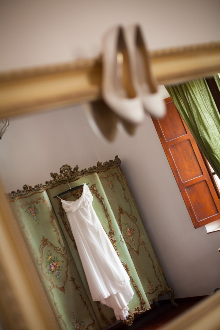 Bride's shoes & dress wedding in Italy