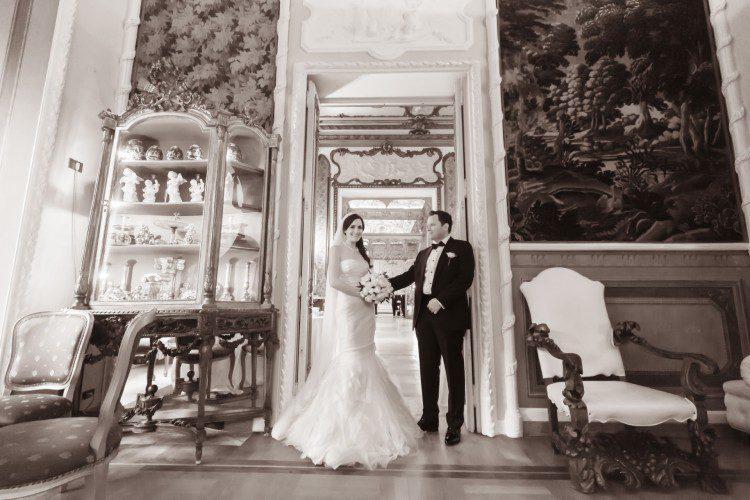 Bride & Groom Posing Wedding in Rome