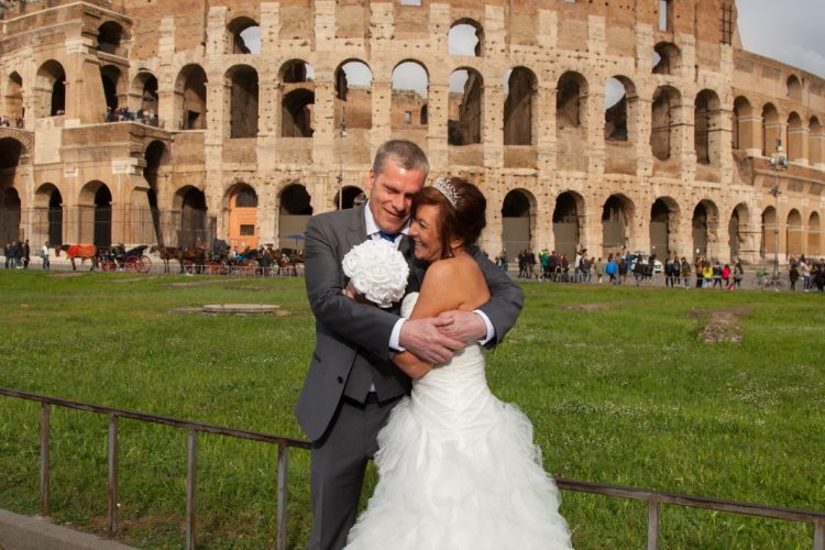 Wedding in Rome photo tour Colosseum
