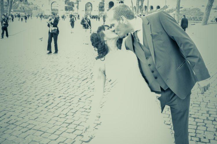 Wedding in Rome photo tour Colosseum